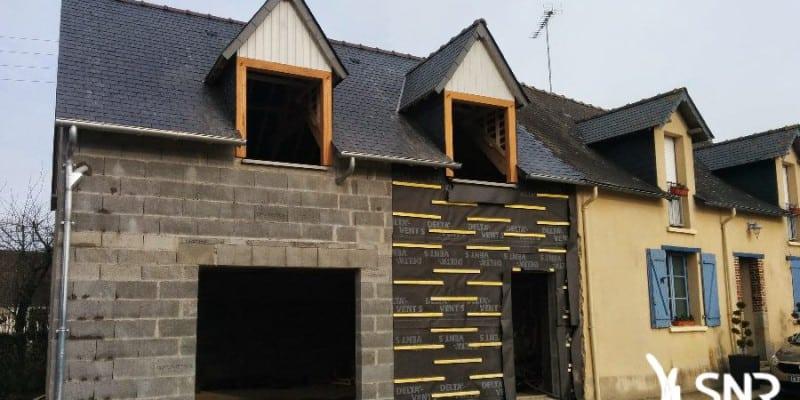 Pour plus d'esthétisme, optez pour un agrandissement maison mixte bois et pierre. SNR Entreprise vous propose d'agrandir maison en pierre et de réaliser un bardage bois. La création de lucarne ou fenêtre chien assis est aussi réalisée par SNR Entreprise en Mayenne (53) et Ille et Vilaine (35).