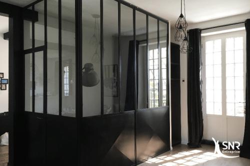 Création d'une verrière acier sur mesure dans le cadre d un projet de rénovation maison saint-malo