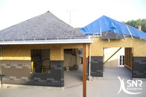 Gagner en surface grâce à l'agrandissement de maison. Profitez d'une nouvelle architecture de maison grâce à l'ossature bois et l'agrandissement pierre avec SNR Entreprise.