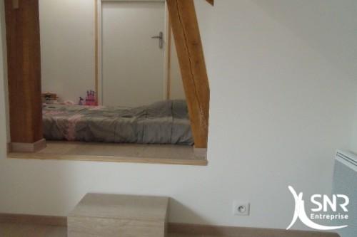 Optimisation espace sous toiture. Profitez de l'aménagement de grenier pour gagner en espace, et créer une nouvelle chambre sous votre toit avec SNR Entreprise.