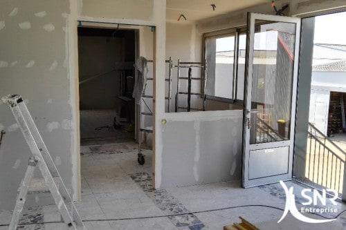Aménagement intérieur maison : SNR Entreprise, depuis 1984 à vos côtés. Entreprise de rénovation reconnue et réputée, confiez-nous votre projet de rénovation de maison.