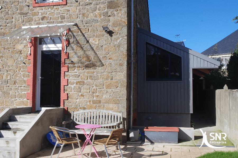 Agrandissement maison en couverture zinc pour une maison malouine par SNR Entreprise