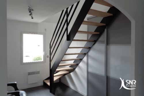 escalier am nagement de combles et agrandissement maison avec snr entreprise. Black Bedroom Furniture Sets. Home Design Ideas