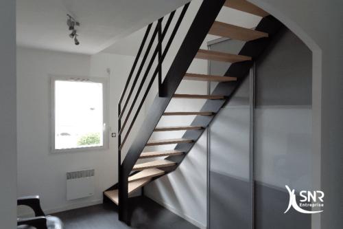 Création d un accès aux combles aménagés grâce à la mise en place d un escalier alliant bois et métal par SNR Entreprise