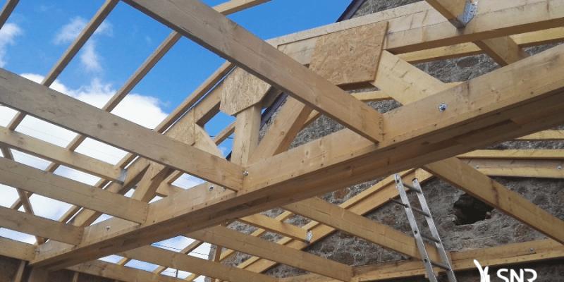 Création d'une charpente pour mise en place de la couverture zinc de l agrandissement maison vitré
