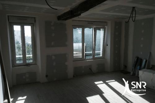 Photo en cours de réalisation de travaux de renovation maison rennes prestation clé en main SNR Entreprise
