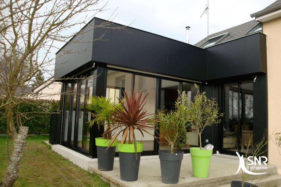 Réalisation d un agrandissement maison laval en panneaux composite par SNR Entreprise
