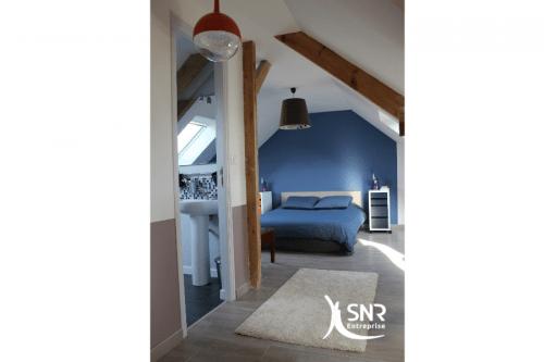 Extension d une maison : espace privatif avec chambre, salle d\'eau ...