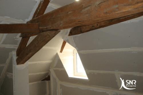 Vue en cours de chantier de rénovation maison saint-malo par SNR Entreprise en Mayenne et Ille-et-Vilaine