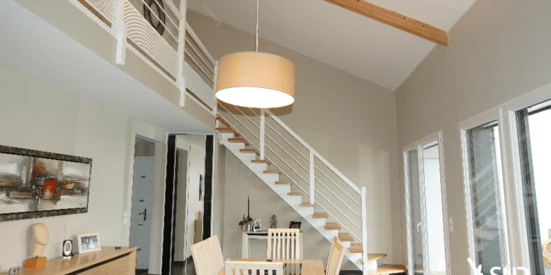 Remplacement d'escalier et aménagement de mezzanine par SNR Entreprise