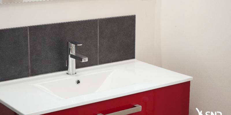 Vue après travaux de rénovation salle de bain par SNR Entreprise 53 35