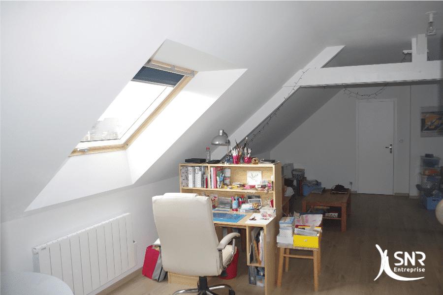 Aménagement-de-combles-en-prestation-clé-en-main-à-Laval-Rennes-Vitré-Saint-Malo-SNR-Entreprise