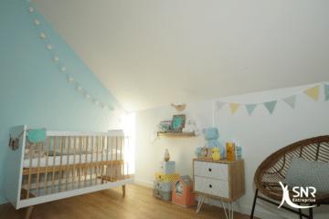 Aménagez une pièce sur mesure pour bébé grâce à l'aménagement de combles saint-malo