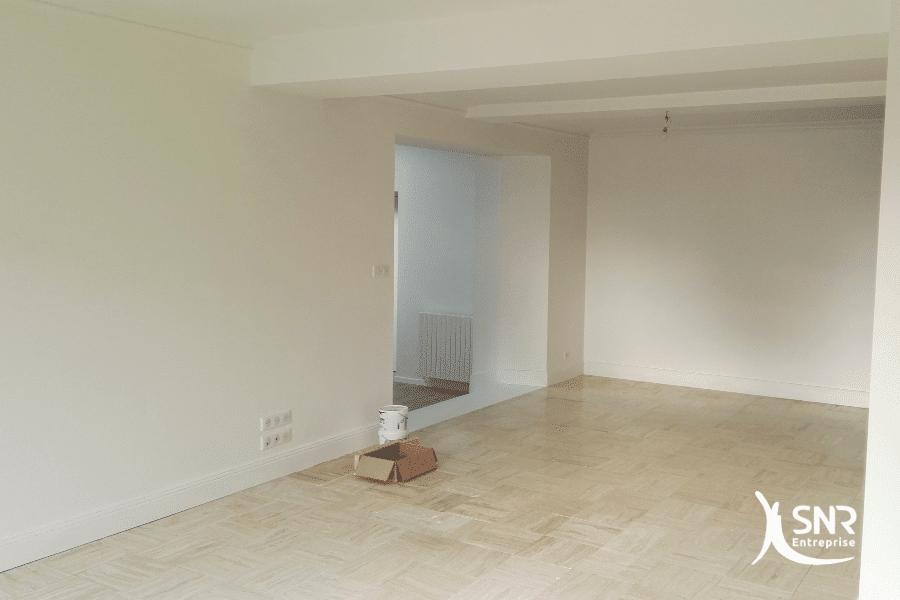Démolition-d-un-conduit-de-cheminée-pour-création-d-une-grande-pièce-de-vie-par-SNR-Entreprise-renovation-maison