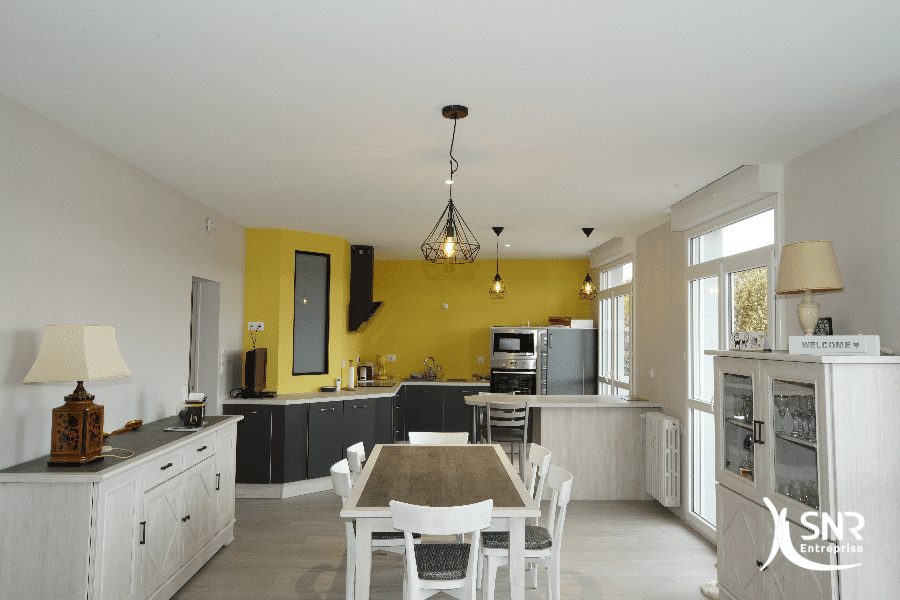 De la conception aux finitions SNR Entreprise s'occupe de votre projet de rénovation maison vitré dans son intégralité