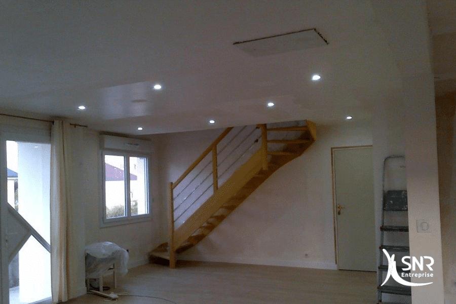 De-la-pose-de-parquet-à-l-installation-d-un-escalier-SNR-Entreprise-réalise-tous-vos-projets-de-renovation-maison-saint-malo