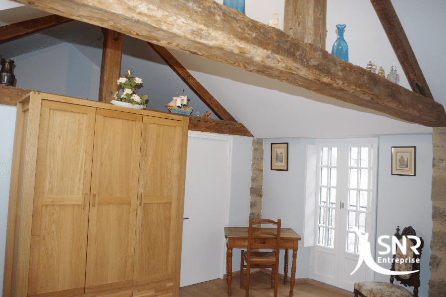 Du-sol-au-plafond-SNR-Entreprise-modernise-votre-habitation-grâce-à-l-aménagement-de-combles-rennes-et-à-la-rénovation-maison-laval