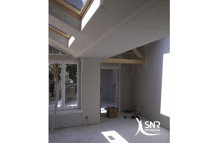Extension-d-une-maison-en-maçonnerie-avec-aménagement-intérieur-de-l-ensemble-par-SNR-Entreprise