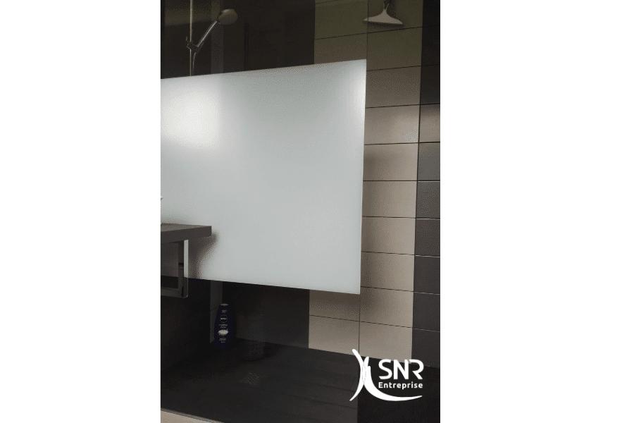 Installation-d-un-receveur-de-douche-en-résine-dans-le-cadre-d-un-projet-de-renovation-salle-de-bain-laval