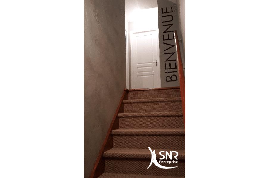 Pose-escalier-sur-mesure-pour-aménagement-combles-laval-depuis-1984