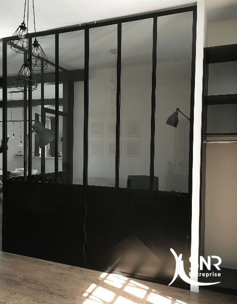 Pour-vos-projets-d-aménagement-intérieur-et-de-renovation-maison-laval-pensez-à-installer-une-verrière-avec-SNR-Entreprise