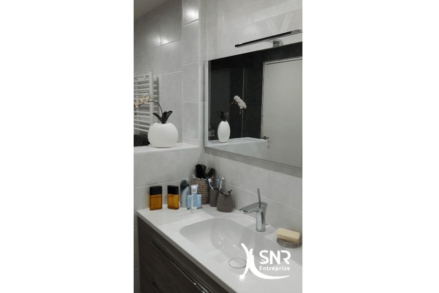 Réalisation-d-un-projet-de-rénovation-salle-de-bain-laval-avec-livraison-clé-en-main