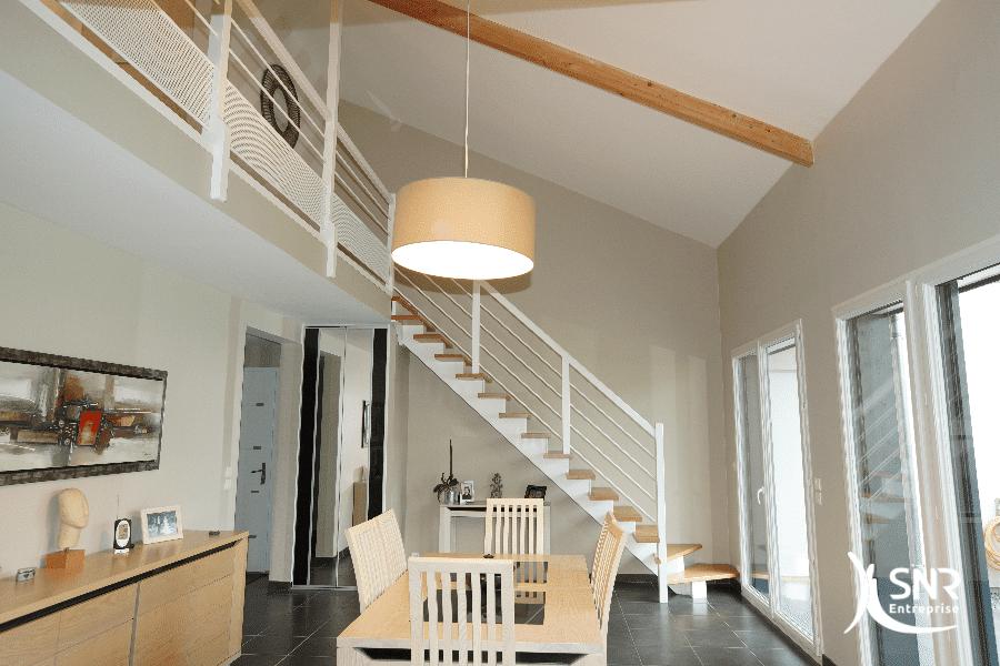 Remplacement-descalier-et-aménagement-de-mezzanine-par-SNR-Entreprise