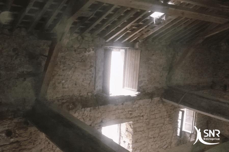 Travaux-de-démolition-et-de-nettoyage-de-bâtiment-par-SNR-Entreprise-pour-rénovation-longère-saint-malo