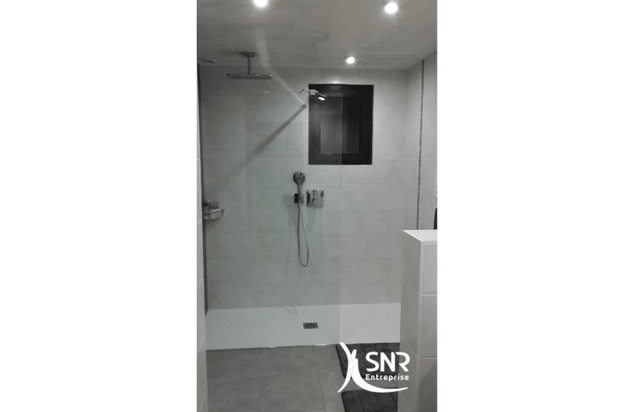 Vue-après-travaux-de-renovation-salle-de-bain-saint-malo-par-SNR-Entreprise-depuis-1984