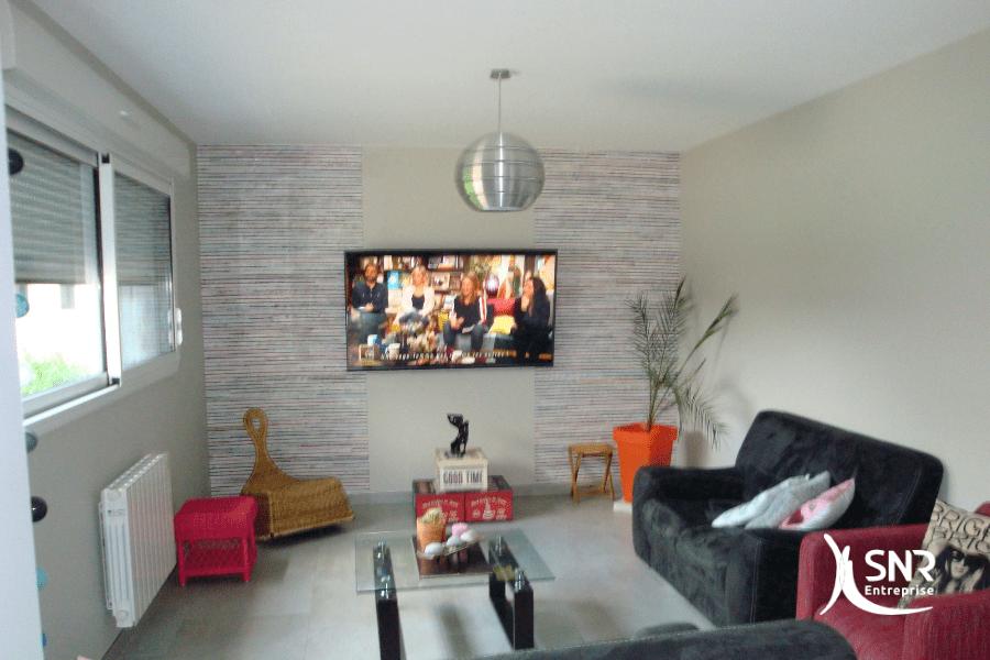 Vue-intérieure-après-réalisation-de-travaux-d-agrandissement-maison-bois-laval-par-SNR-Entreprise-depuis-1984