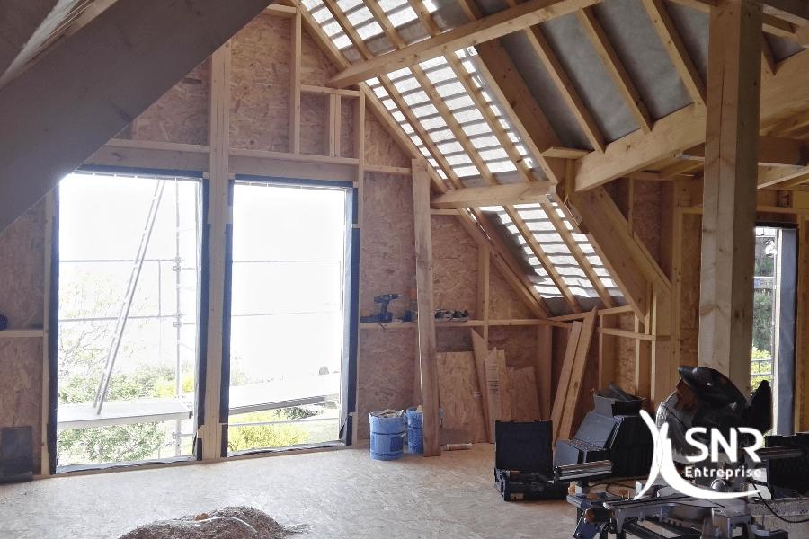 Vue-intérieure-dun-projet-d-agrandissement-maison-saint-malo-en-cours-de-réalisation-par-les-équipes-de-SNR-Entreprise